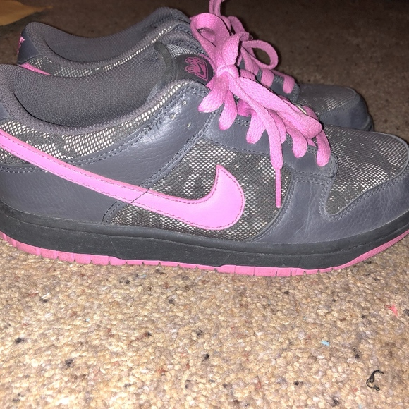le scarpe nike rosa grigio 60 donne piu 'basso 8 poshmark